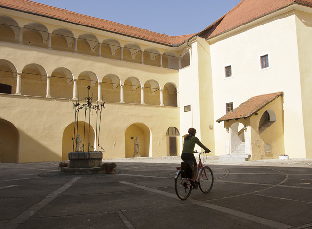 cycling tour castles of Slovenia