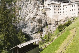 cyclingslovenia_besto of slovenia tour_predjama castle