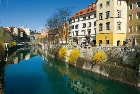 slo_champions_ride_Ljubljanica_River_and_Cankar_Quay_BKladnik_copyright_STO_13