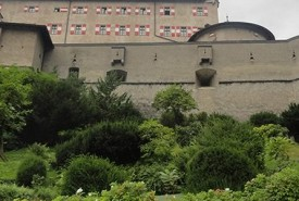 cyclingslovenia_tour_sbl_castle-werfen