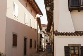 cyclingslovenia_vistas_wines__smartno_village